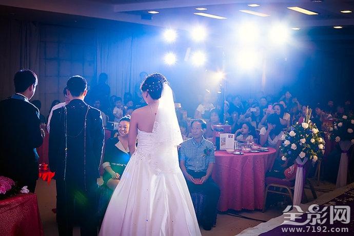 结婚写错新娘名字