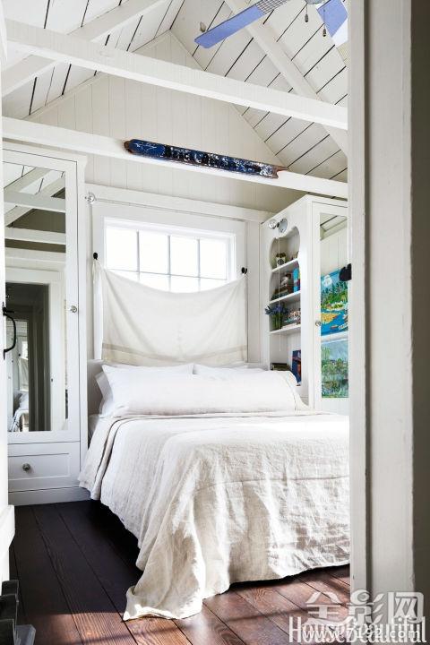 智能设计解决方案的小卧室