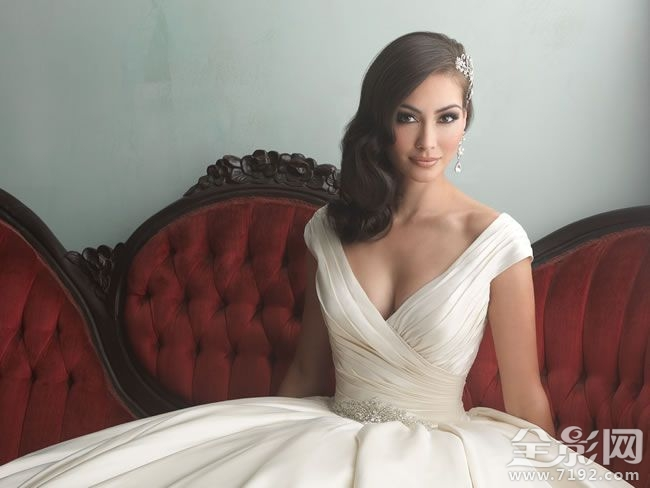 白色主题礼服婚纱