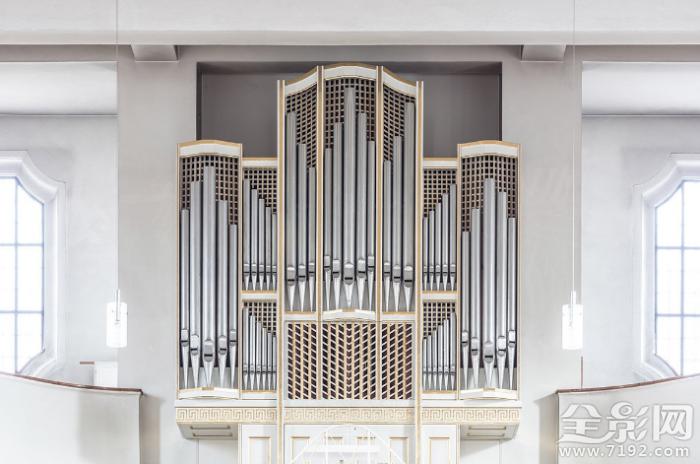 壮观的德国老式管风琴