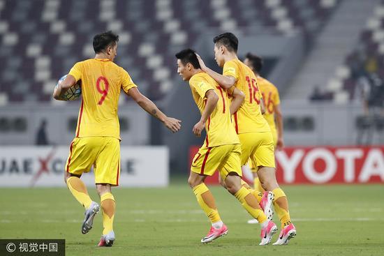 国足2:1胜卡塔尔 国足客场赢球出局