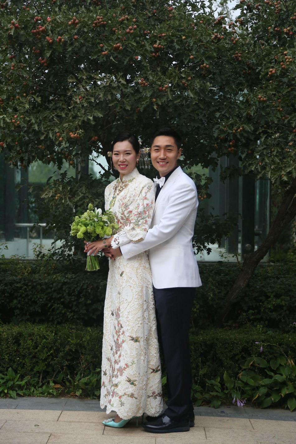 李晓霞今日大婚宴 奥运冠军秒变小女人