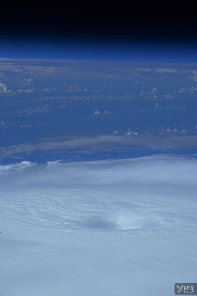 宇航员分享飓风照片 隔着屏幕都感受到威力