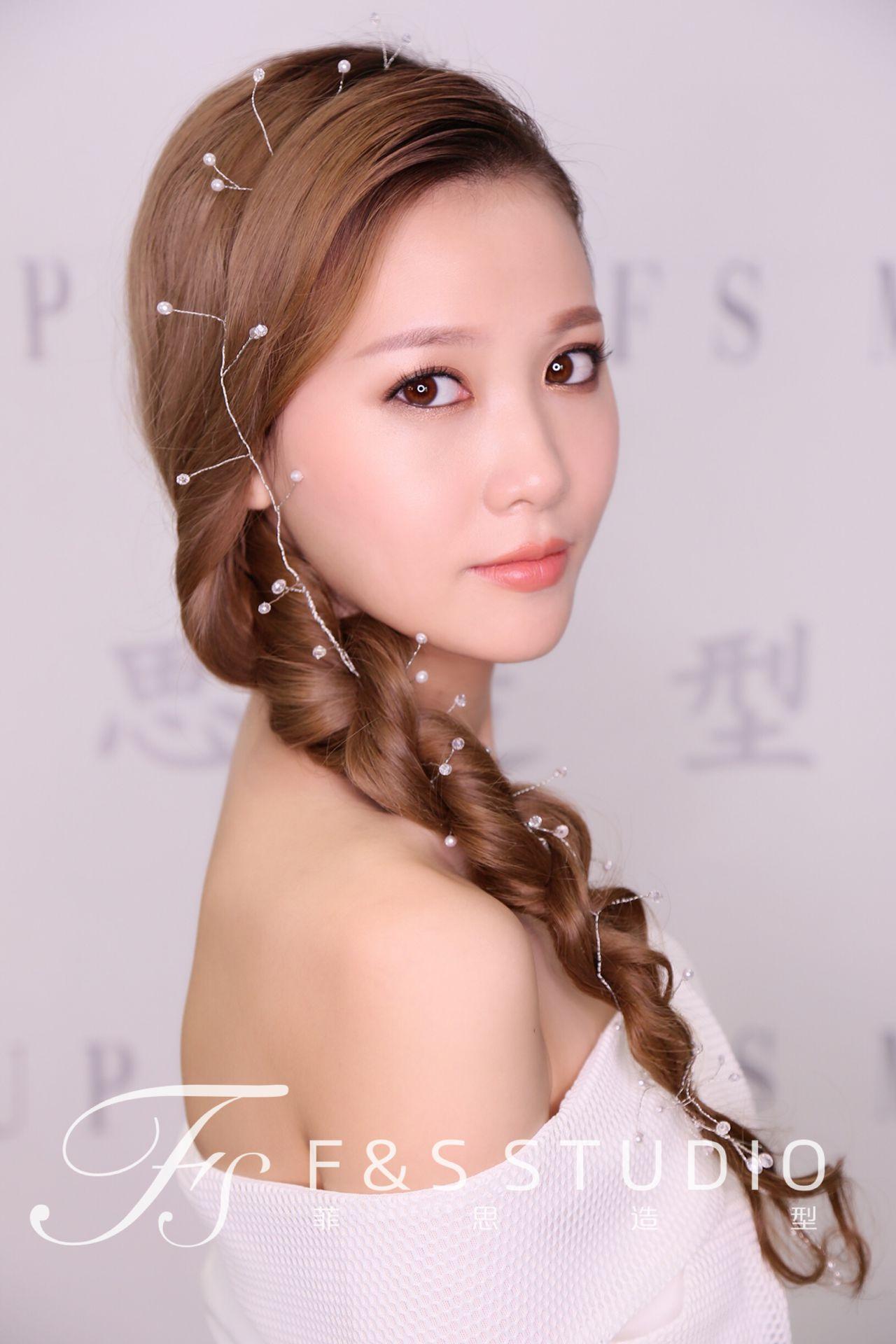 新娘妆容 韩式大气造型图片