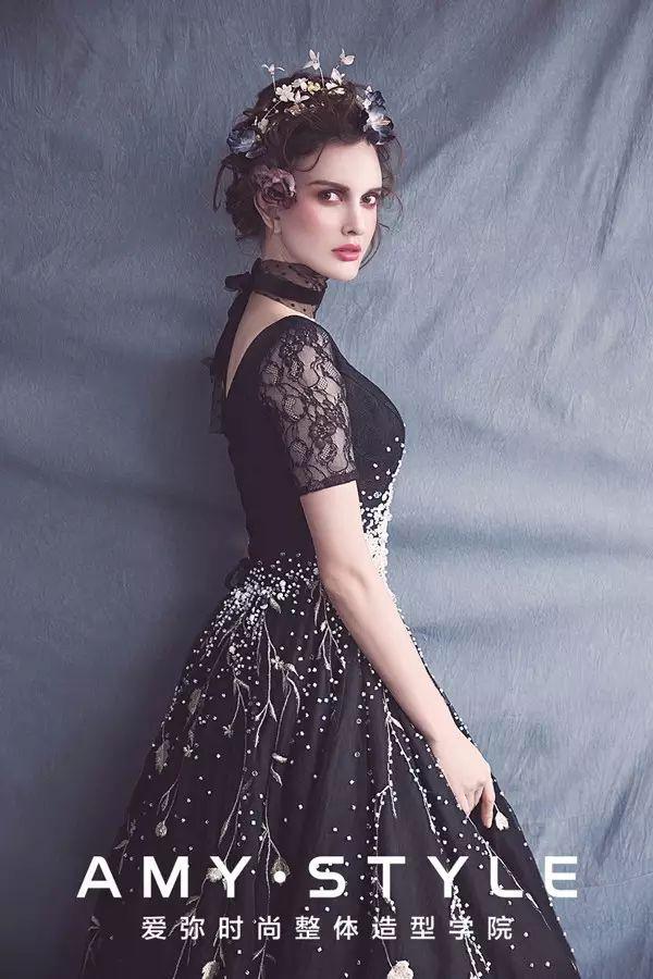 唯美复古新娘造型,清丽妆容带来宫廷的华贵感!