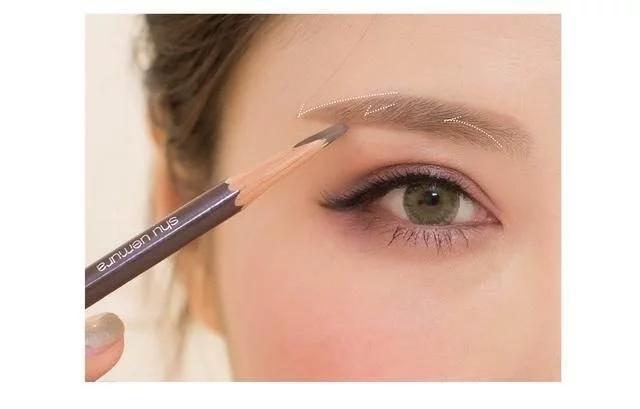六个化妆小技巧,让你美出新高度