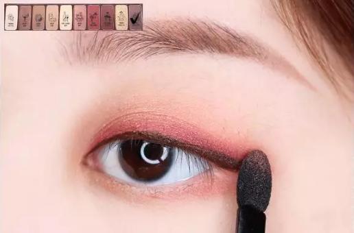 冬季温柔红棕色眼影教程