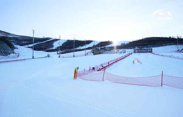 翠云山银河滑雪场17-18最新价格推送,七折优惠从此开始