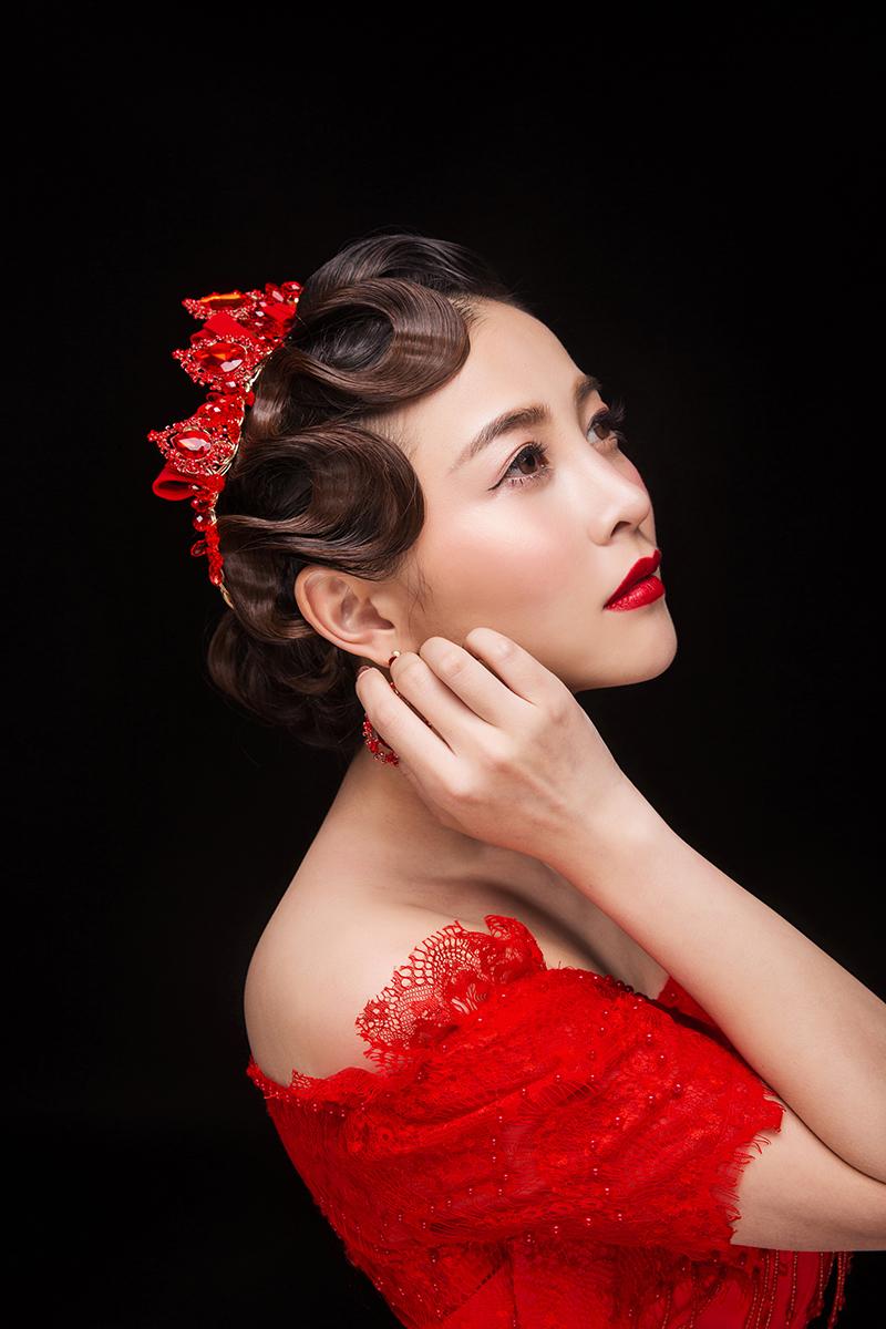 经典喜庆中国红,复古手推纹和中式造型