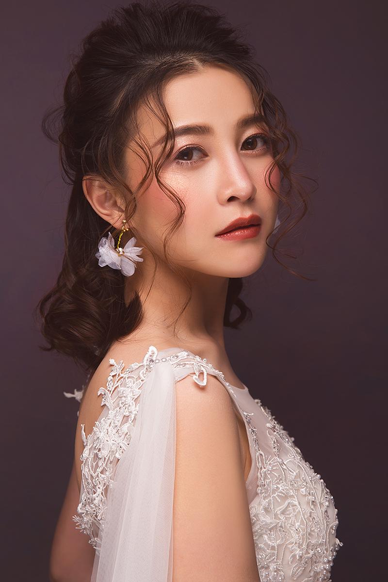 新娘造型|自然而高贵的新娘盘发