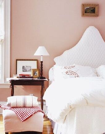 带灰度的粉珍珠色