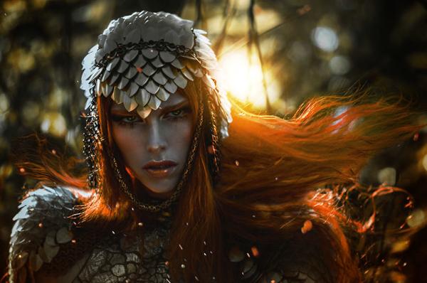 LillianLiu镜头下冷艳女王般的魔法肖像
