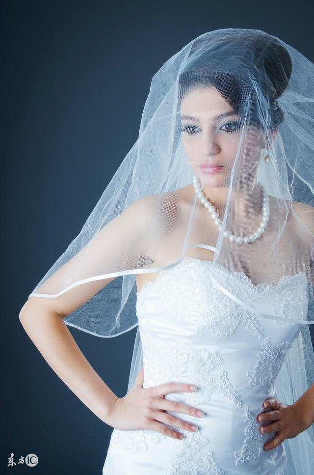 新娘造型丨中长发新娘