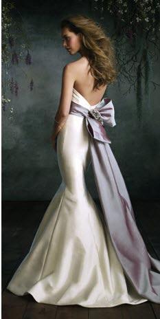 为什么我会穿着婚纱