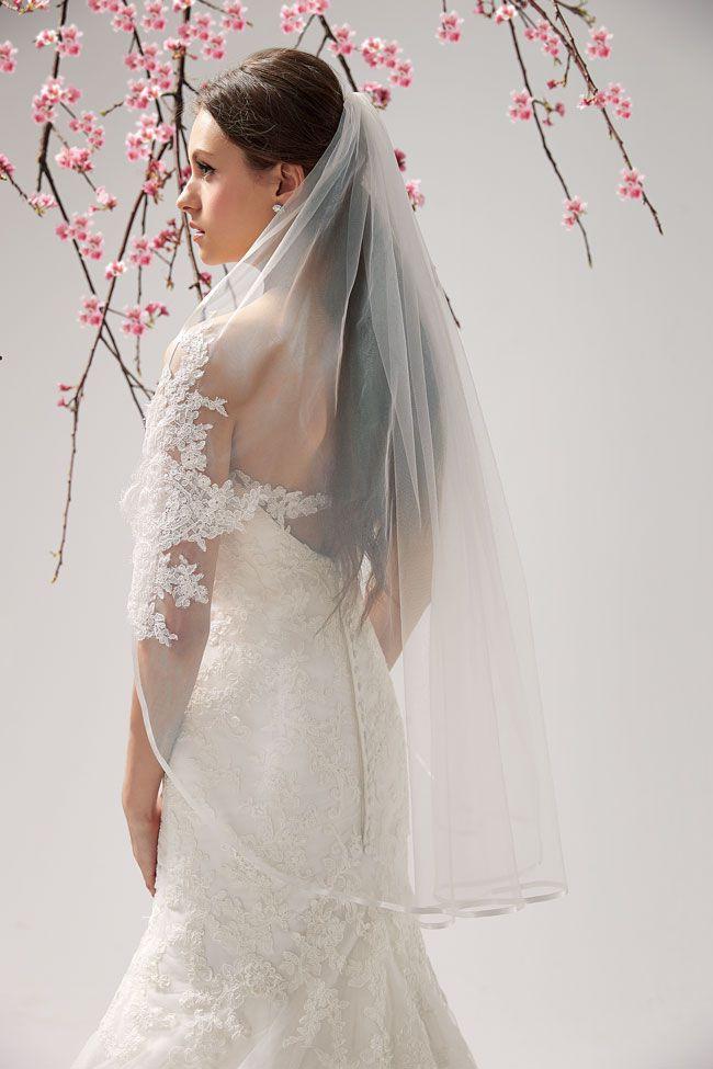 今年三月,获得免费的面纱,夹克或带茉莉花新娘礼服的腰带