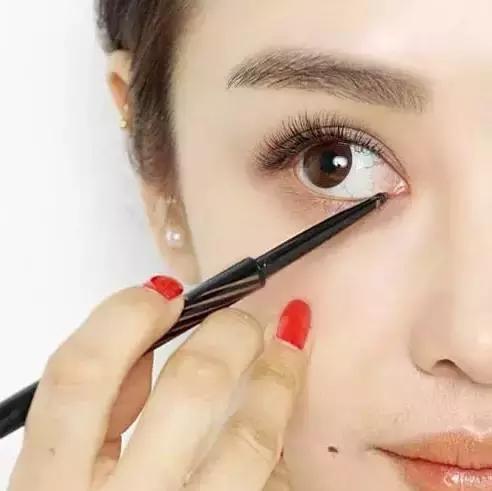 教你9招让你自然放大双眼!化妆就该这么化
