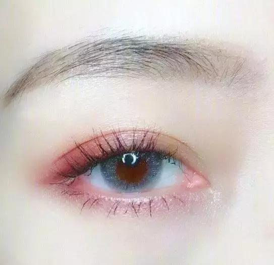 缤纷眼影,带你打造深邃细腻眼妆!