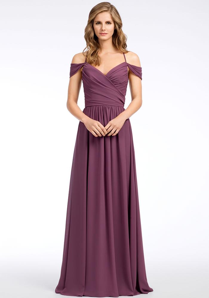 美丽的淡紫色和丁香伴娘礼服