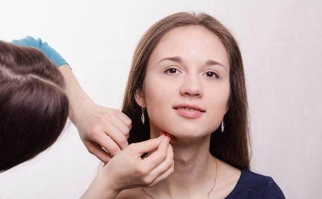 在学习化妆的时候,要特别注意一些容易踩的雷区