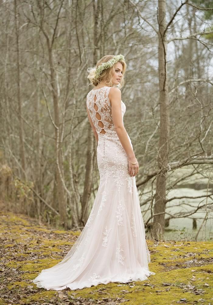 婚纱摄影带回性感的婚纱