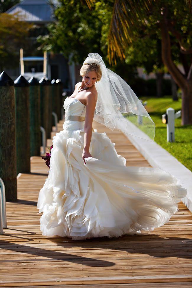 潍坊婚纱摄影婚纱适合您的主题!