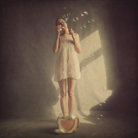 俄罗斯摄影师Anka Zhuravleva梦幻般的超现主义影像