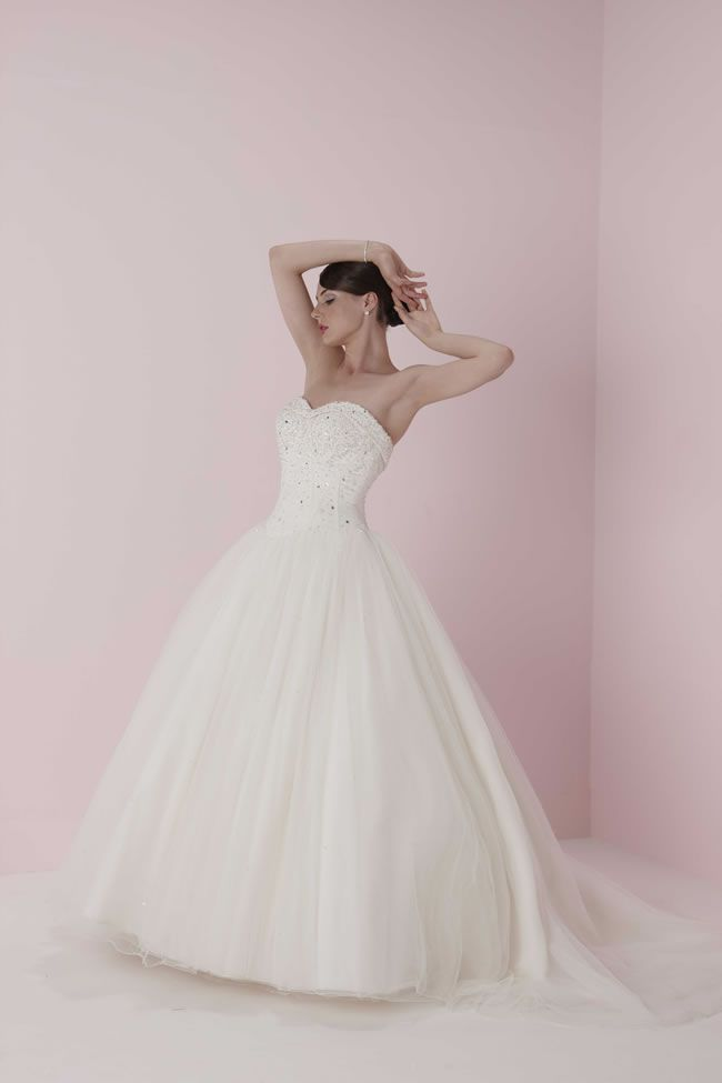 保定婚纱摄影婚礼婚纱款式
