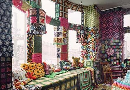 婚房布置亮点:缤纷的色彩加上可爱的造型,整个角落都变的别样活泼