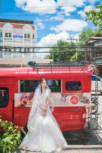 谁说中午不能拍人像,捕捉泰国街头唯美婚纱