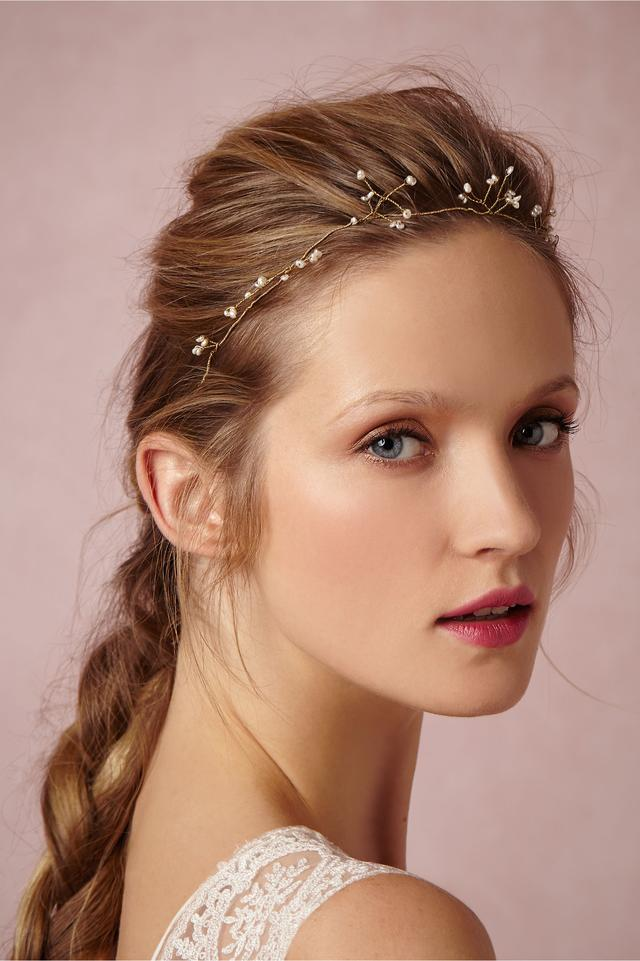 化妆教程 这个夏季,新娘头上加点发饰竟然这么美!