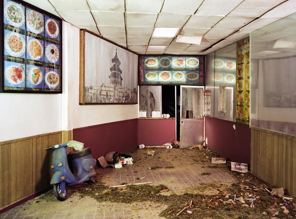 废墟摄影有多火?摄影师花数年打造微缩废墟
