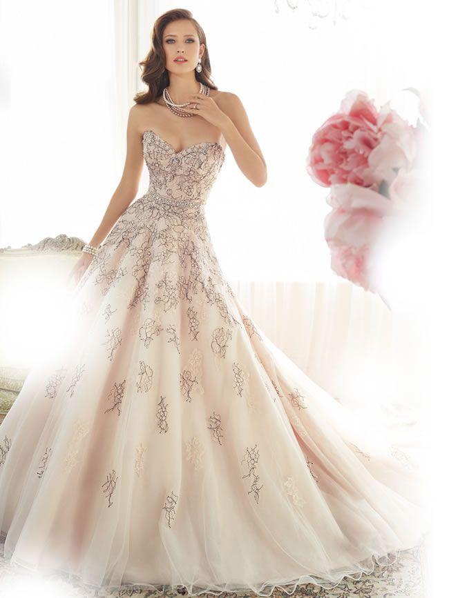 保定婚纱摄影新娘婚纱礼服跟妆容腮红的搭配