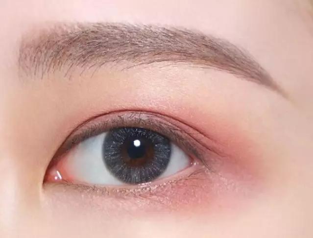 两款blingbling的超仙眼妆~