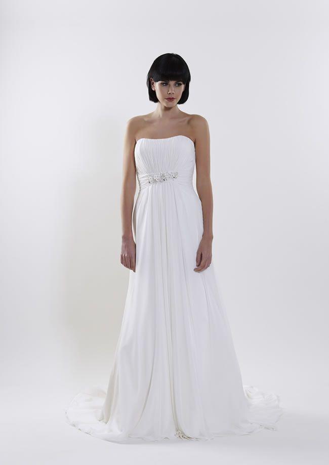 保定优乐娱乐手机版摄影寻找漂亮衣服的经典新娘
