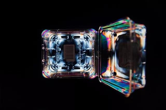 用塑料制品就能玩的创意摄影法