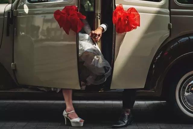 专业婚礼摄影师,比普通人到底强在哪儿?