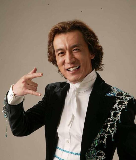 主持人李咏因癌症在美国去世