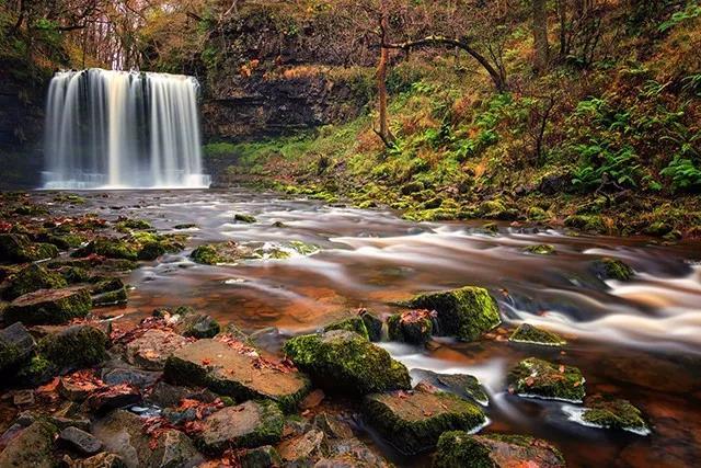 若梦若幻的瀑布瀑布拍摄技巧