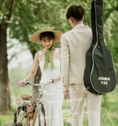 真爱是两棵树的独立,相互注视和...